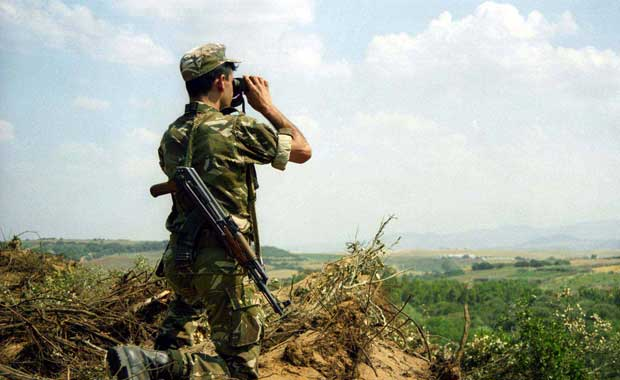 4c7ba0cd2ac24 الخبر-رفع درجة التأهب للجيش الجزائري على الحدود الشرقية