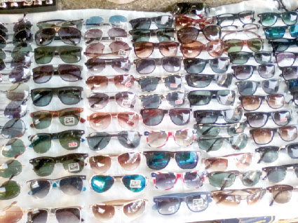 45b5f086d الخبر-نظارات صينية تهـدد بصر الجزائريين