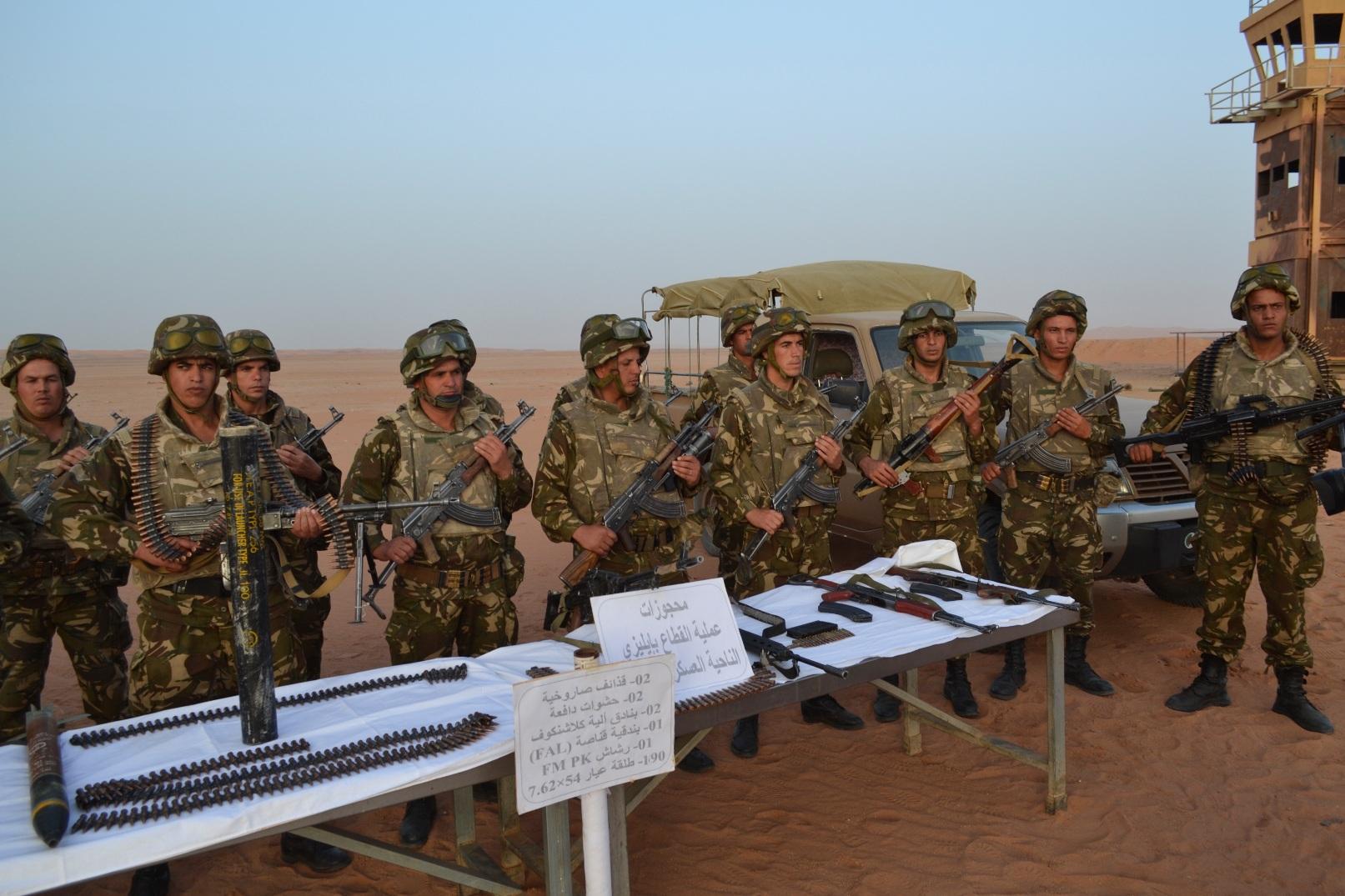 -12 نوعا من السلاح يتم تهريبها إلى الجزائر