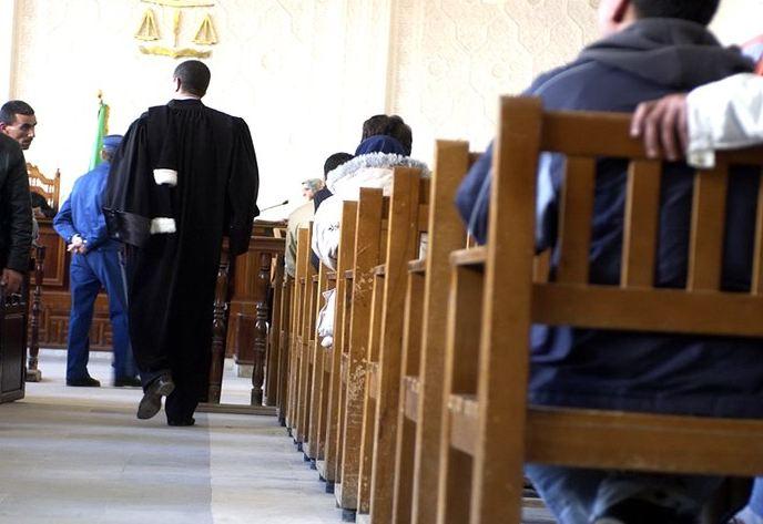 -تأجيل محاكمة تونسيات حاولن تهريب الكوكايين إلى الجزائر